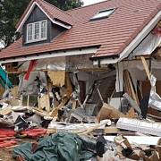 un muncitor roman din marea britanie acuzat ca a distrus proprietati de 4 milioane de lire