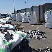 alte 300 de tone de gunoaie inclusiv deseuri periculoase au fost oprite la constanta transportul trebuia sa ajunga in prahova