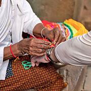 deochiul o superstitie explicata stiintific amulete care ne protejeaza de deochi