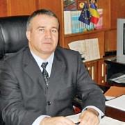 d-ale statului de drept  director de penitenciar umilit public suspendat din functie exonerat dupa 4 ani