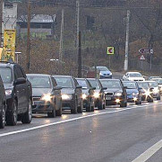 aglomeratie pe dn 1e catre poiana brasov parcarile din statiune sunt din nou pline