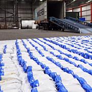 captura istorica de droguri ofiterii au avut nevoie de 6 ore sa scoata pachetele