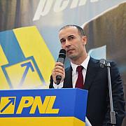 iulian dumitrescu a demisionat de la conducerea grupului pnl din senat si va fi inlocuit de florin citu