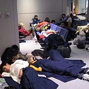 zeci de copii romani abandonati in aeroporturi dupa ce au fost in tabara