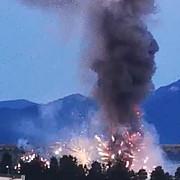 explozie pe platforma uzinei mecanice tohan un depozit privat de artificii s-a aprins provocand moartea unei persoane si intoxicarea cu fum a altor doua