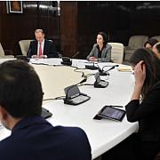 negocierile cu fmi continua guvernul negociaza un deficit de 14 la suta