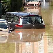 ploi torentiale si inundatii pe riviera franceza