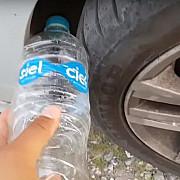 metoda noua de furt de ce se pune o sticla de plastic la roata masinii