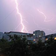 un ciclon se indreapta spre romania tarile afectate sunt deja sub cod portocaliu de furtuna