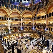 mallurile din paris si parti mari din franta trebuie sa ceara clientilor permisul de sanatate pentru covid-19