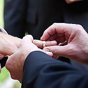curtea constitutionala repune pe rol joi dosarul privind recunoasterea casatoriilor gay incheiate in strainatate