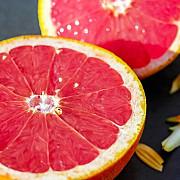 pericolul nestiut din cel mai gustos fruct cercetatorii avertizeaza un banal grapefruit te poate ucide