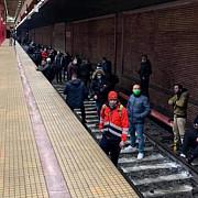 greva la metrou circulatia este oprita angajatii au blocat liniile