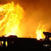 momente teribile pe aeroport un autobuz plin cu pasageri a luat foc - un terminal al aeroportului evacuat