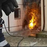 explozie la o scoala din mures doi raniti