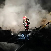 incendiu puternic la un cort de evenimente din strejnic