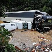 germania inundatii catastrofale in vestul tarii cel putin 58 de persoane au murit si alte 1300 sunt disparute belgia si olanda sunt si ele afectate de fenomenele meteo extreme