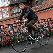 iohannis sunt alaturi de biciclisti indemn cat mai multe persoane sa se deplaseze cu bicicleta
