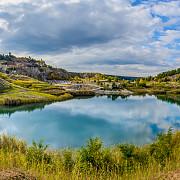 lacul laguna albastra comoara ascunsa din inima transilvaniei