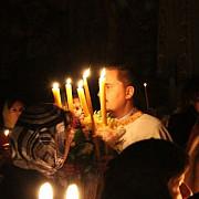 puterile nestiute ale lumanarii din noaptea de inviere