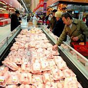 traseul secret al carnii in hipermarket patru metode prin care ni se vinde marfa expirata carnea e spalata condimentata tocata iar valabilitatea e marita artificial