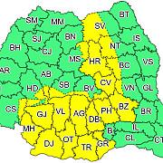 meteorologii au emis un cod galben de furtuni cu ploi vijelii si grindina valabil in sudul tarii si in carpatii orientali pana in aceasta seara la ora 21