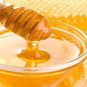 cum sa deosebesti mierea naturala de cea falsificata