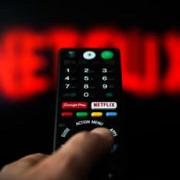 netflix anuleaza toate restrictiile de ce o sa ti se vada mai bine filmele si serialele