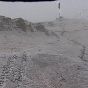 pericol de avalansa in muntii fagaras grosimea stratului de zapada atinge 15 metri