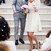 operatiunea impozitarea nuntilor fiscul trimite tinerilor casatoriti formulare in care le cere sa declare raporturile economice cu fotografi formatie si restaurant