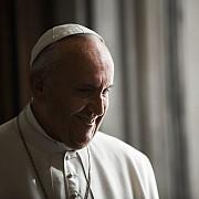 papa francisc craciunul a fost luat ostatic de materialism