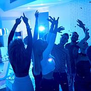 guvern petreceri acasa cu maximum 16 persoane in perioada starii de alerta