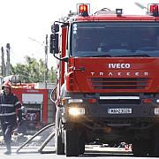 pompierii au stins peste o suta de incendii si au acordat primul ajutor in mai mult de 900 de cazuri in ultimele 24 de ore