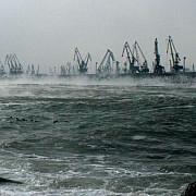 porturile constanta nord constanta sud-agigea si mangalia au fost redeschise portul midia ramane inchis din cauza vantului