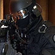 politia din paris cauta un solicitant de azil afgan suspectat ca ar planifica un atentat