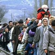 31 de migranti intr-un camion inmatriculat in romania retinuti la granita bulgaro-turca