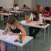 absolventii de gimnaziu intra de luni in febra simularilor