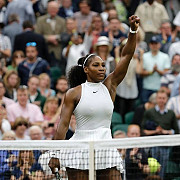 serena williams in turul al treilea al ausopen familia williams in calea simonei halep