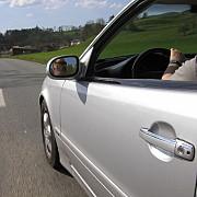 cadou de craciun pregatit pentru soferii in varsta permisul auto le va fi limitat