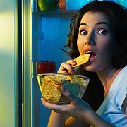 stresul poate favoriza consumul de alimente nesanatoase cu consecinte nefaste asupra greutatii