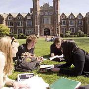marea britanie studentii care au plecat acasa de craciun nu se pot intoarce in campusuri pana la jumatatea lunii februarie ca urmare a carantinei instituite in regat