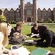 studentii din ue care invata in universitati britanice vor plati taxe noi