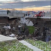 explozie uriasa in italia un spital covid din napoli a fost evacuat zeci de masini au fost prinse sub pamant