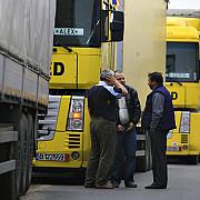soferi romani arestati in franta transportau migranti intr-o remorca frigorifica