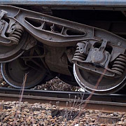 accident de tren in ploiesti triaj 2 trenuri deraiate