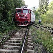sinucidere la campina o femeie s-a aruncat in fata trenului