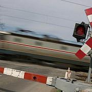 accident feroviar la intrarea in gara un tren cu calatori a spulberat un tir bulgaresc