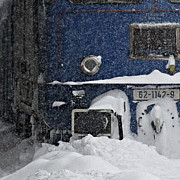 prahova sub zapada mii de prahoveni fara curent electric tren oprit intre sinaia si comarnic