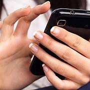 telefonul mobil provoacaacnee si riduri