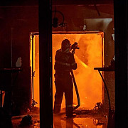 incendiul de la mansarda unui hotel de cinci stele din sinaia a fost stins dupa aproape patru ore